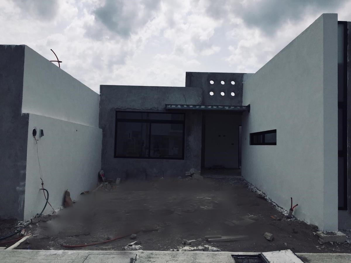 PREVENTA DE CASA EN FRACC. LOMAS DE LA RIOJA $1,575,000