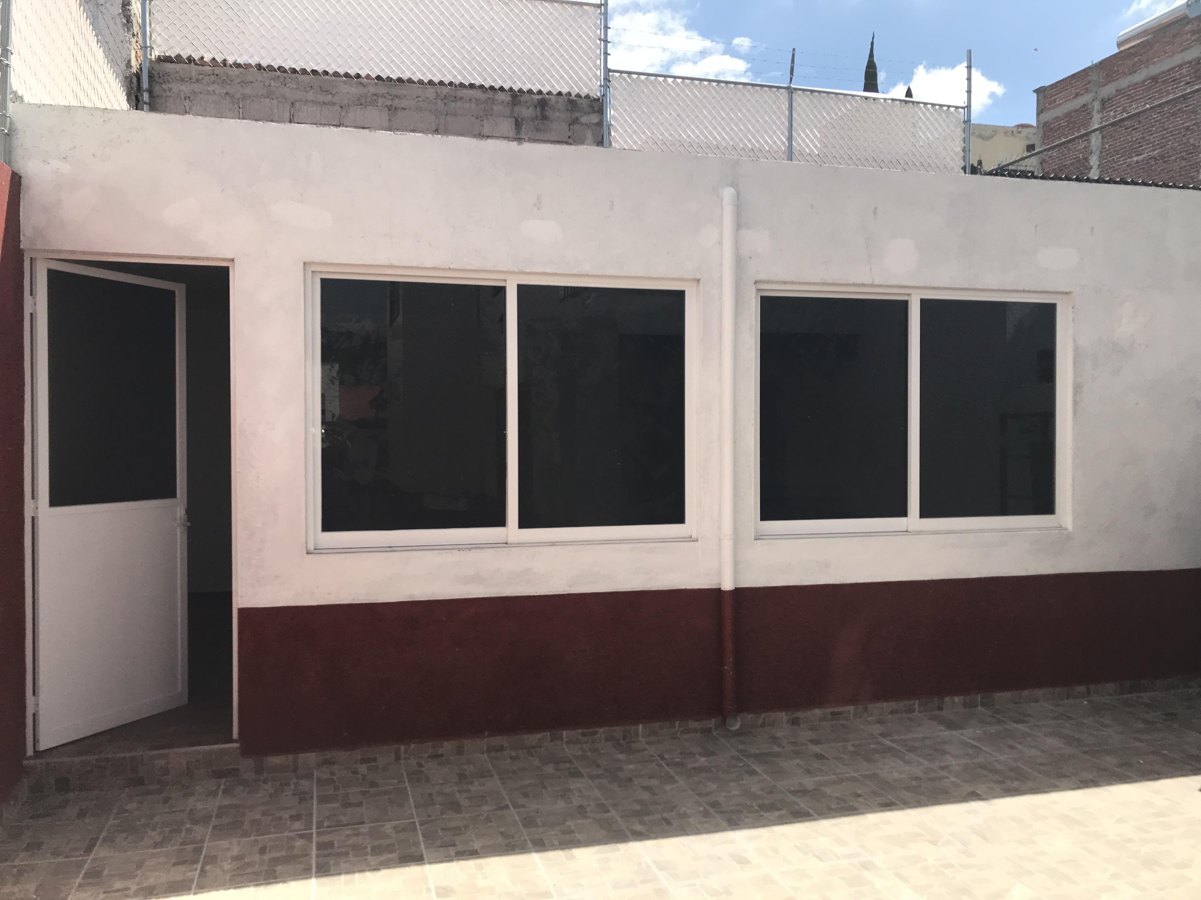 CASA EN RENTA  IDEAL PARA OFICINAS  CORREGIDORA QUERETARO