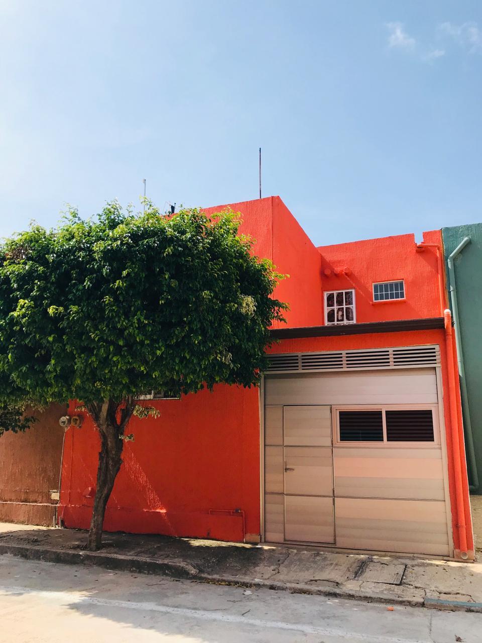 Bella Casa en Venta en Fracc. Puerto Esmeralda, Coatzacoalcos, Ver.