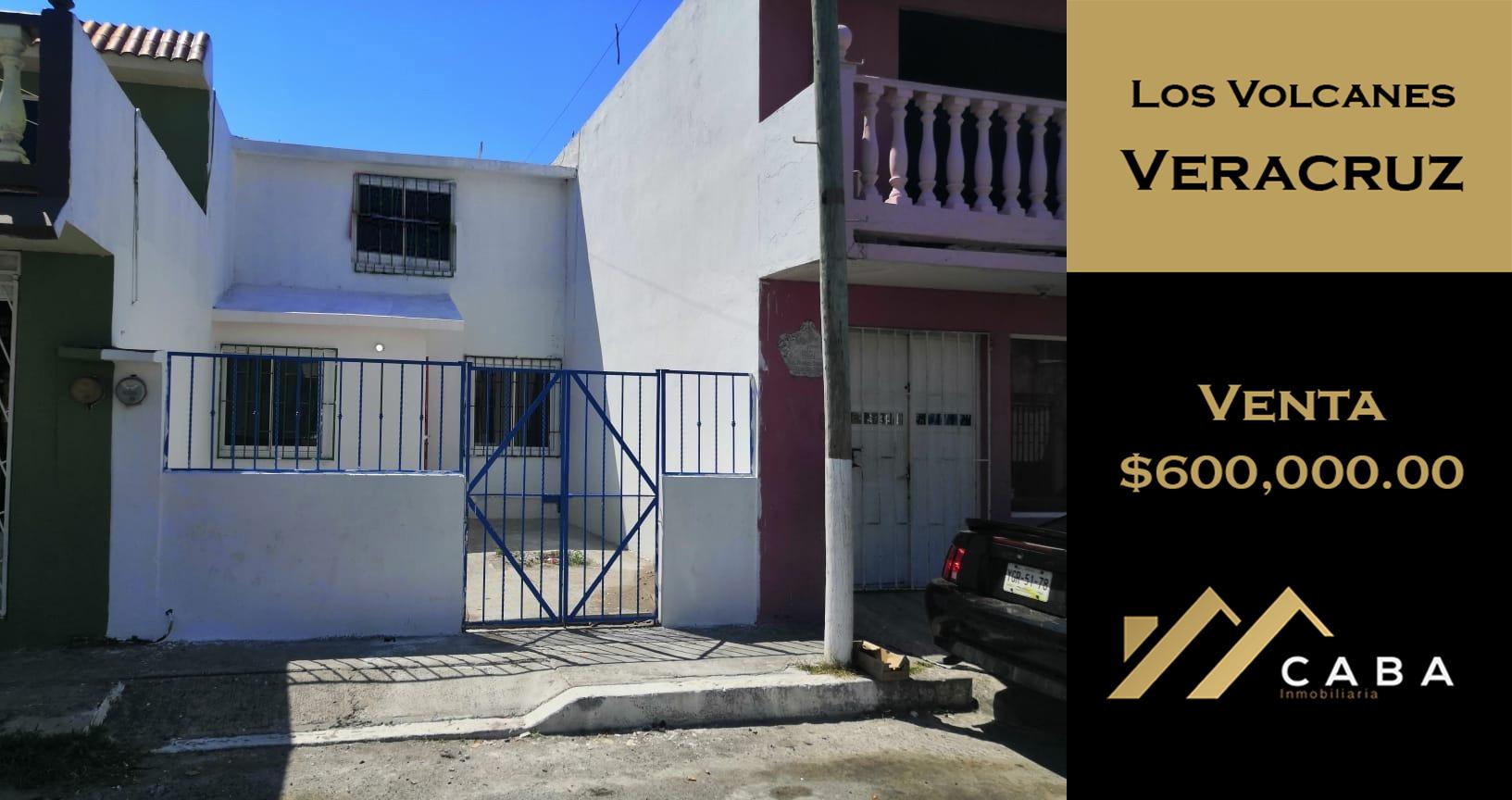 Casa en Venta en Fracc. Los Volcanes, Veracruz, Ver.