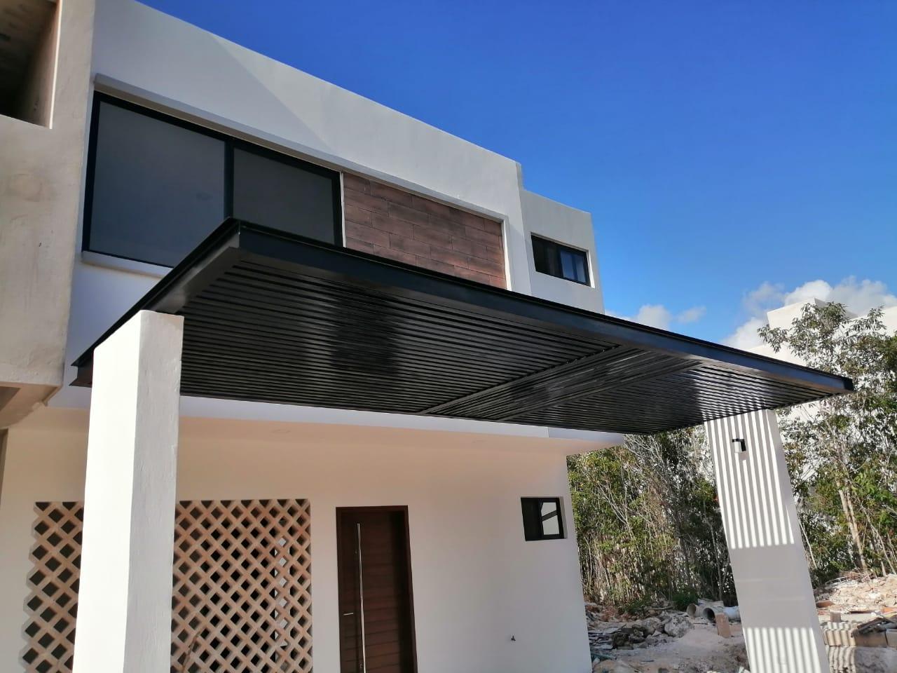 Casa en renta de 2 niveles en Residencial Arbolada con seguridad las 24 horas