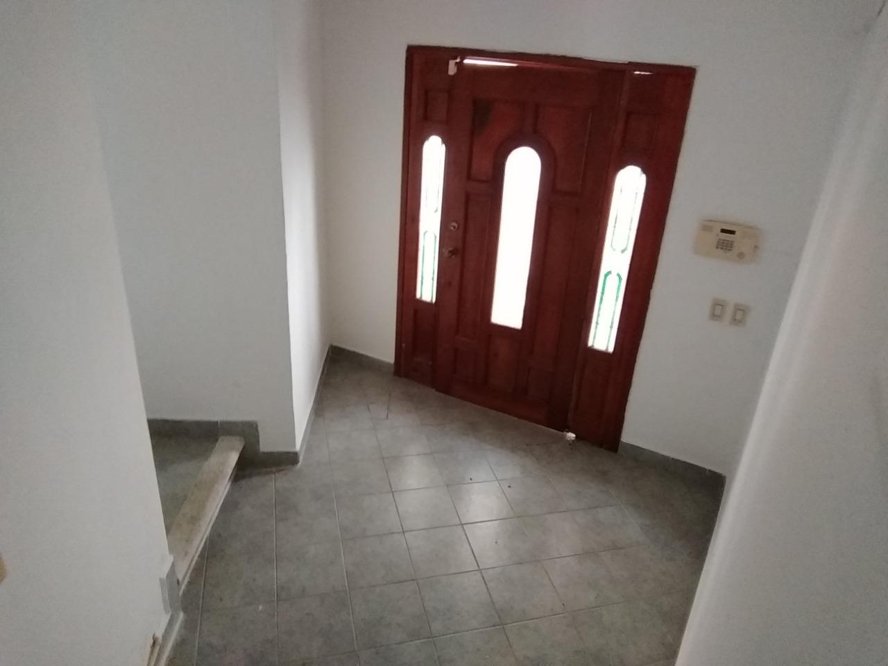Renta de casa con 3 recamaras enfrente de plaza las américas en Cancún