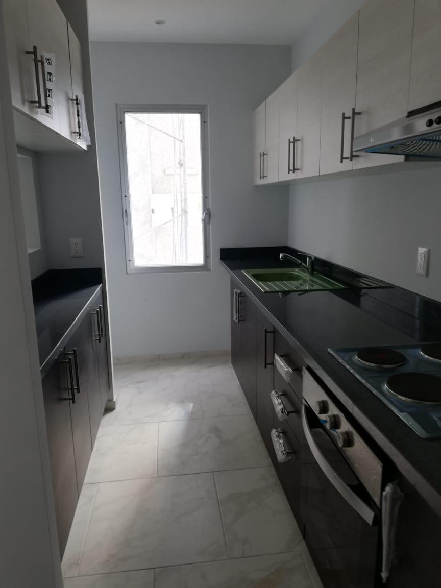 Renta de departamento en Cancún en residencial arbolada con 2 recamaras
