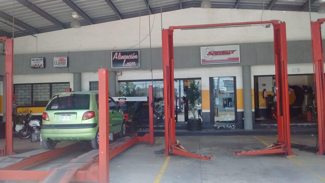Terreno en venta con amplio local comercial funcionando a pleno en Colonia Salitral, Ciudad del Carmen