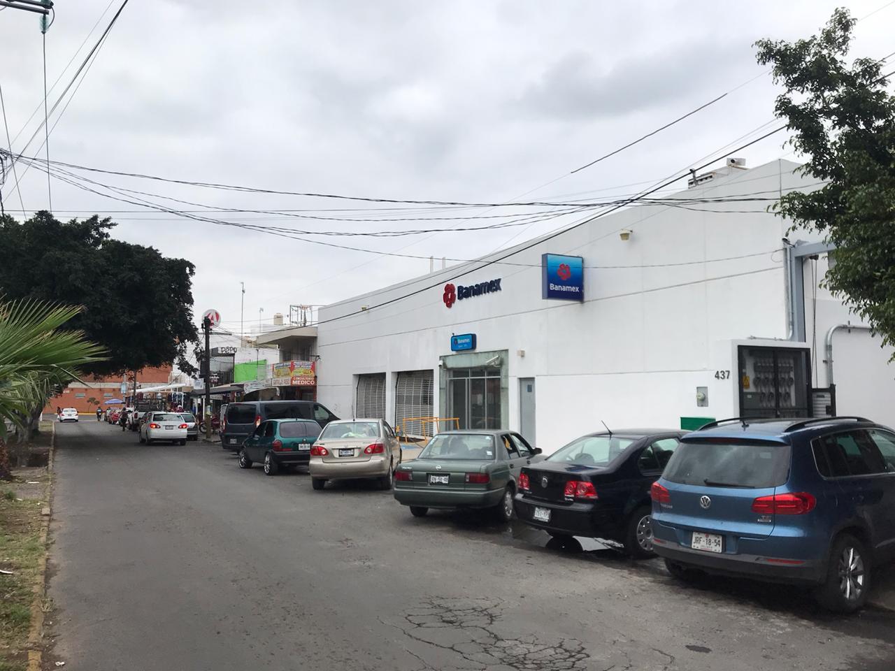 LOCALES COMERCIALES ZAPOPAN (CERCANOS AL MERCADO BOLA)