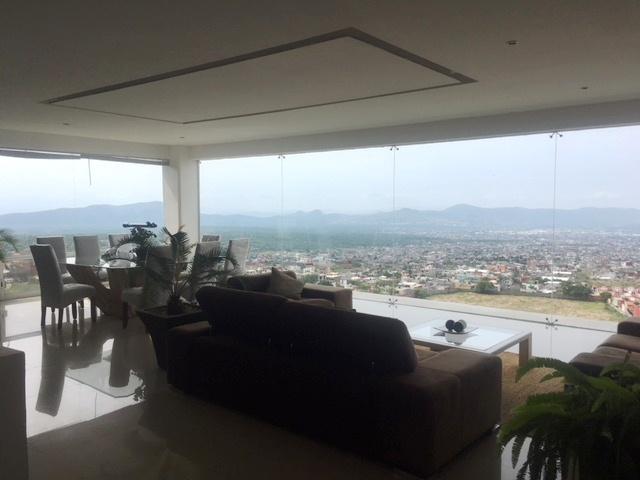 Hermosa casa con vista panorámica en Fraccionamiento La Herradura