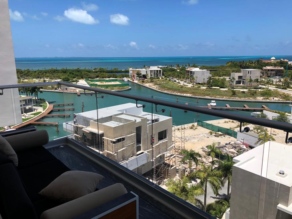 Renta de departamento con vista al mar y muelle drop-off en Puerto Cancún