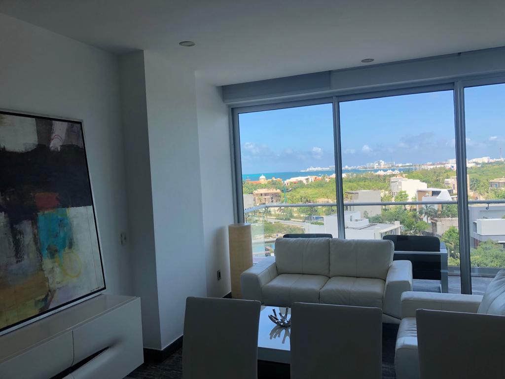 Venta de lujoso departamento en Residencial Riva, Puerto Cancún