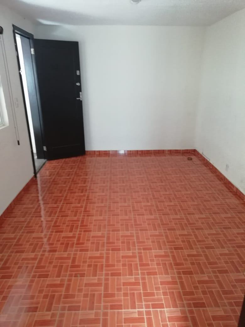 Rento oficina con excelente ubicación en avenida, Colonia Del Valle