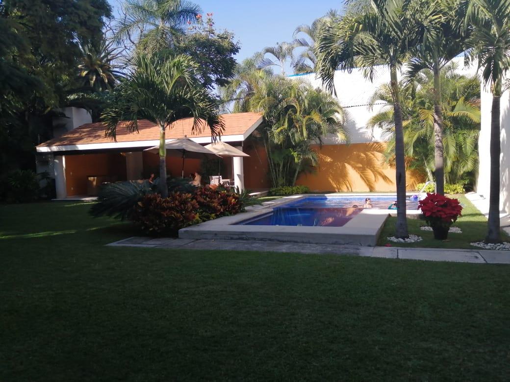 En Renta Acapantzingo Amueblada con Jardin y Alberca