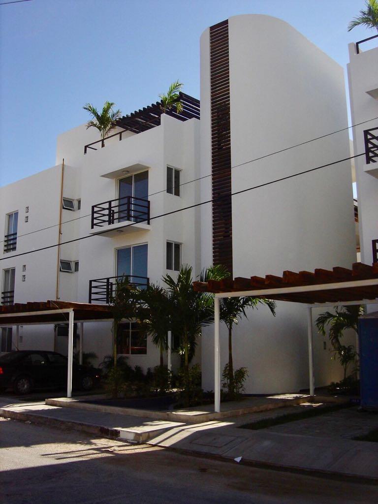 Vendo amplio departamento en la zona centro de Playa del Carmen