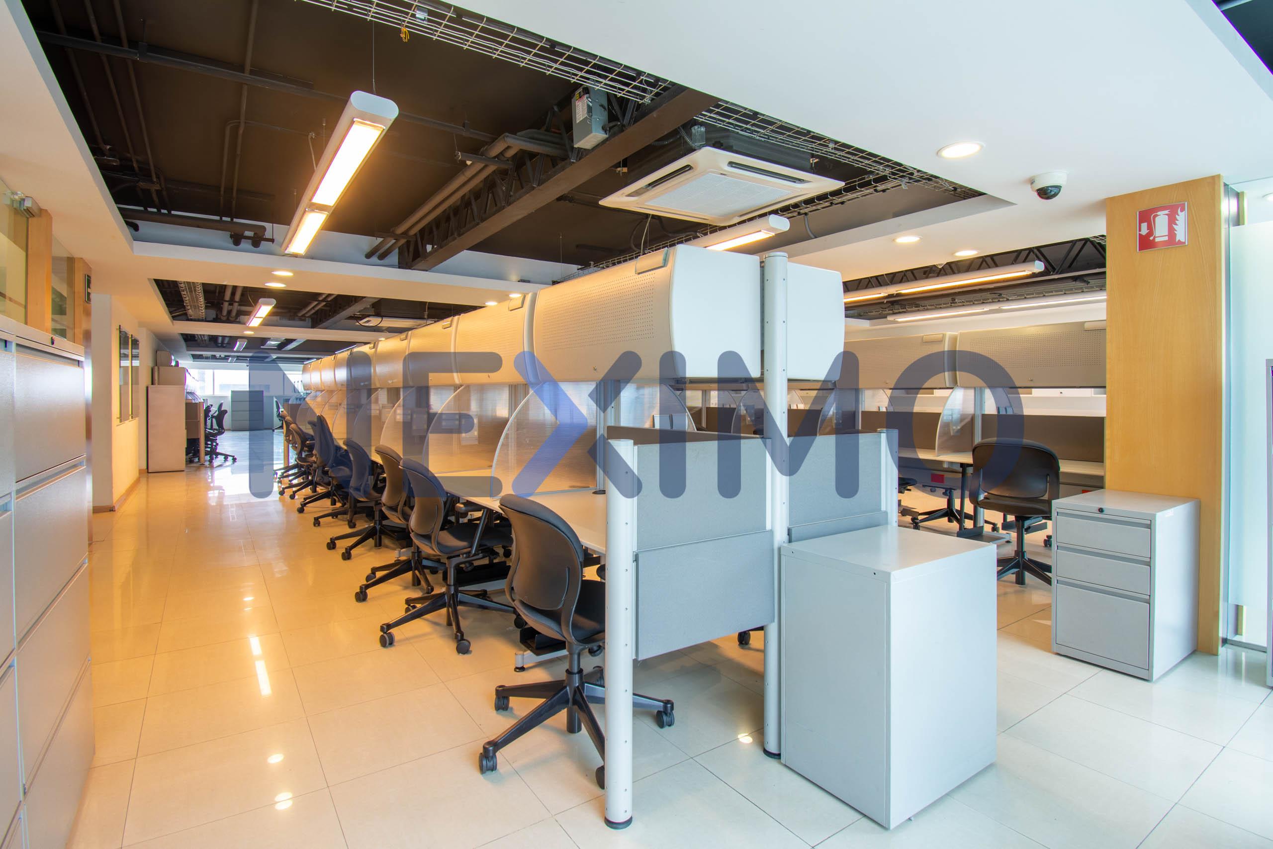Se renta oficina en Edificio Corporativo Rápido Acceso