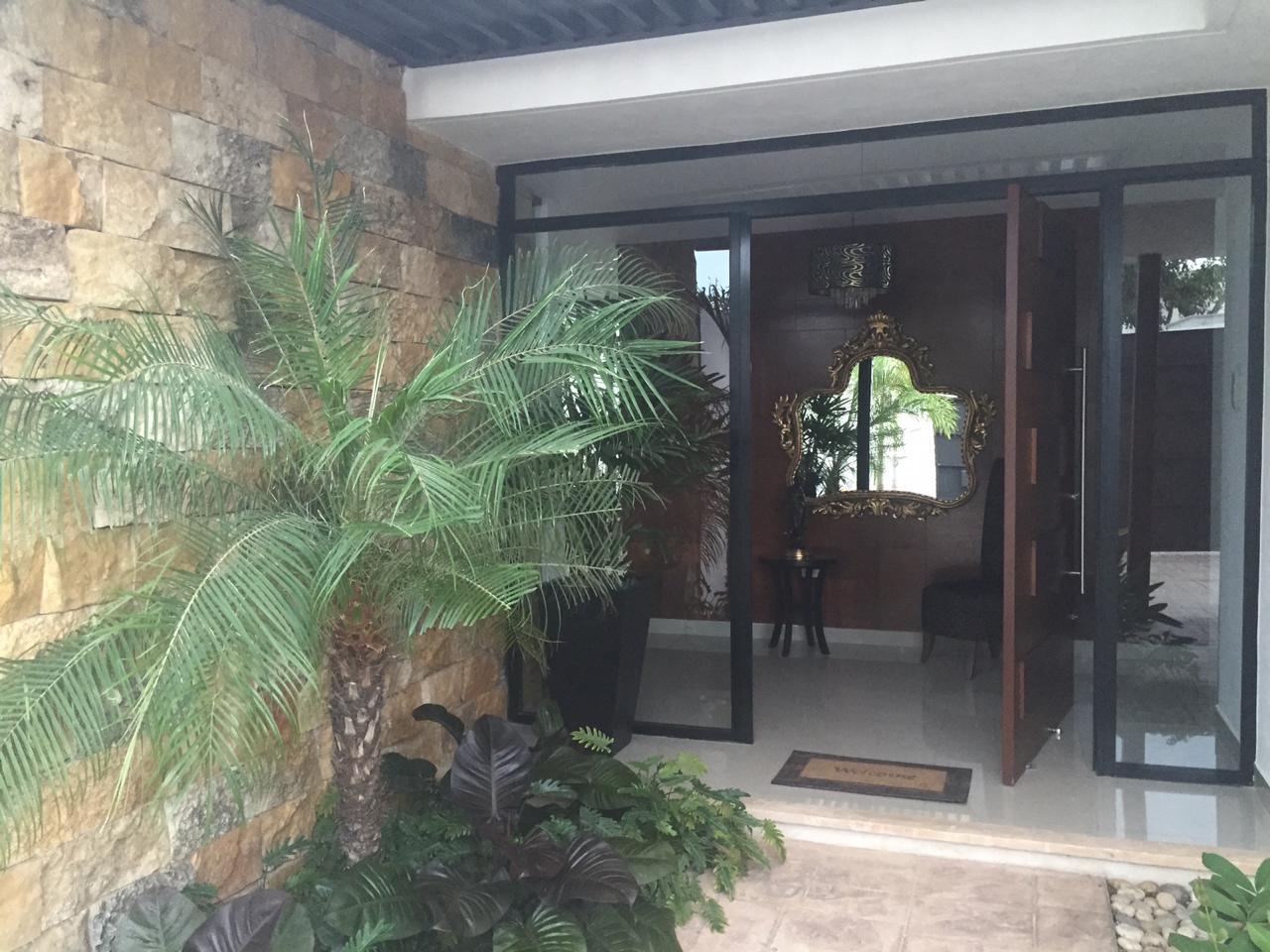 Casa amueblada en renta en Privada Cholul