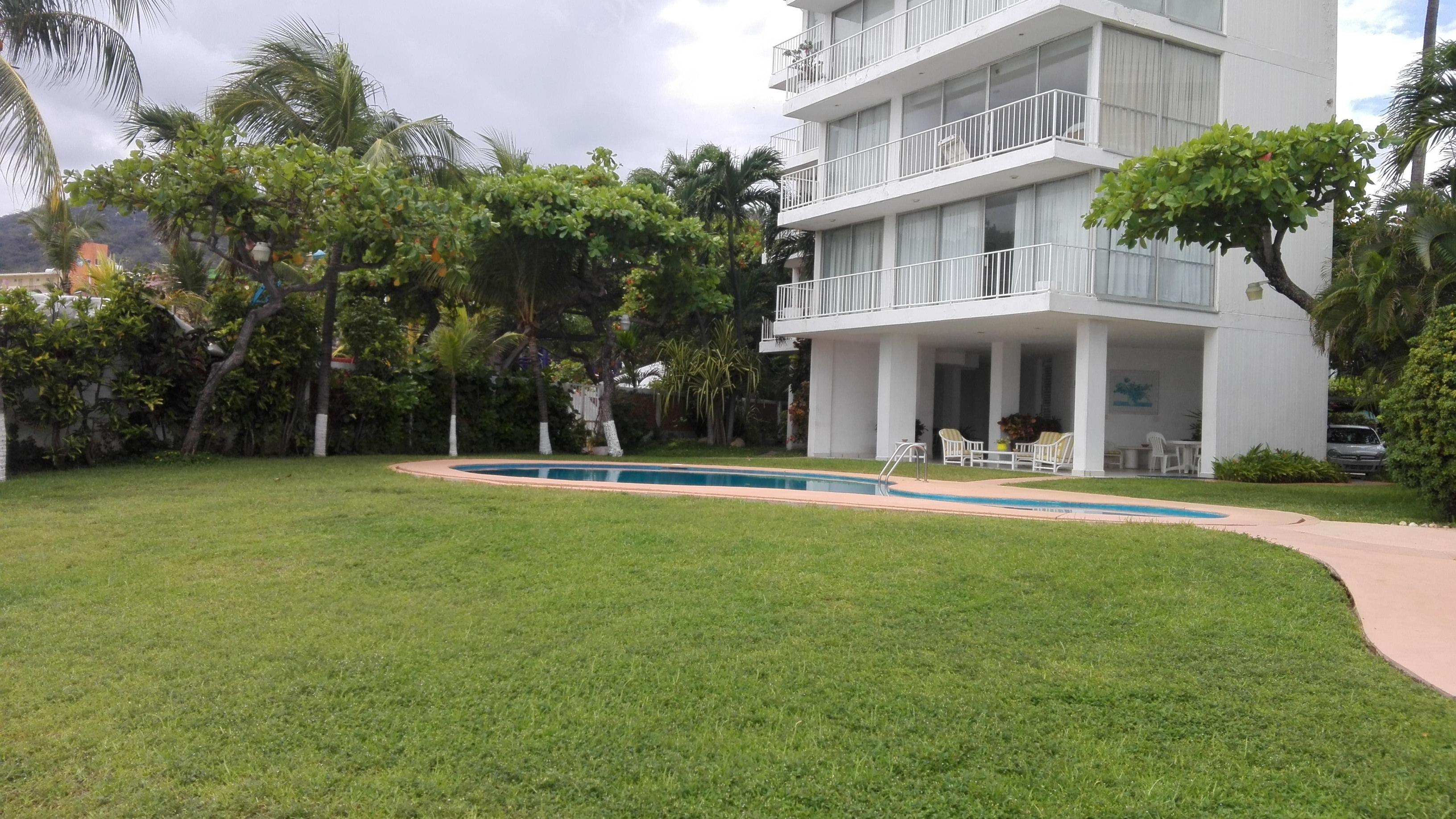Se vende departamento de playa en Zona Dorada de Acapulco