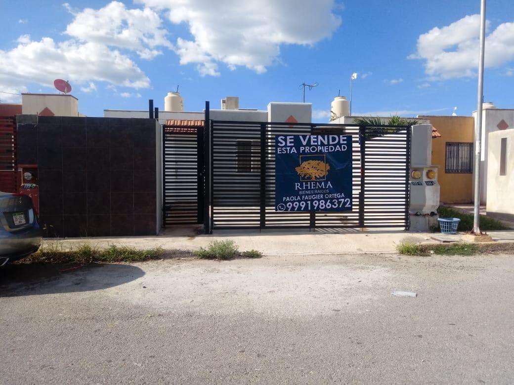 Se vende bonita casa cerca del deportivo en Los Almendros Ciudad Caucel