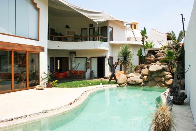 Casa en venta con vigilancia en Col Delicias