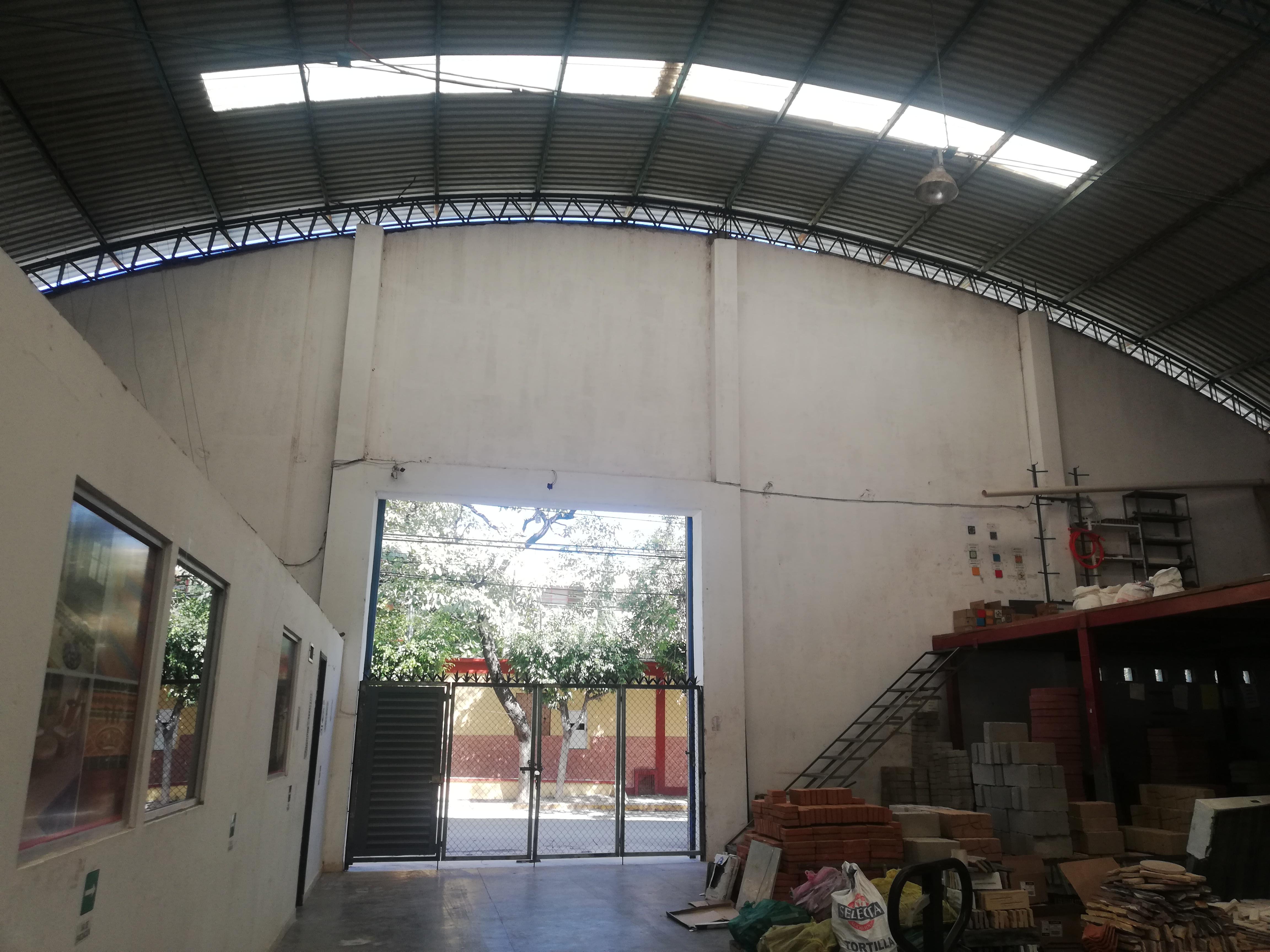 BODEGA CENTRICA EN RENTA EN HACIENDA DE MEXICO, TUXTLA GUTIERREZ, CHIAPAS