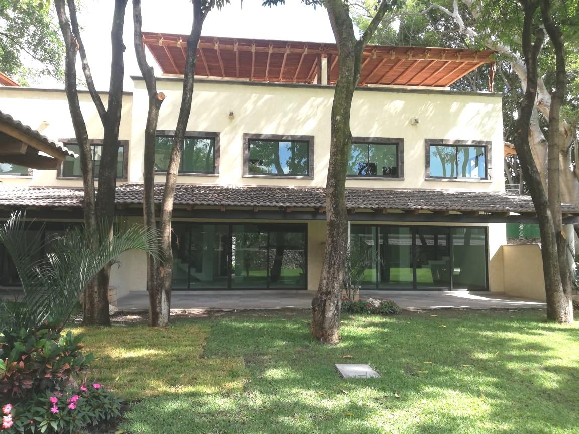 Casa Nueva con Alberca en Cuernavaca con Vigilancia