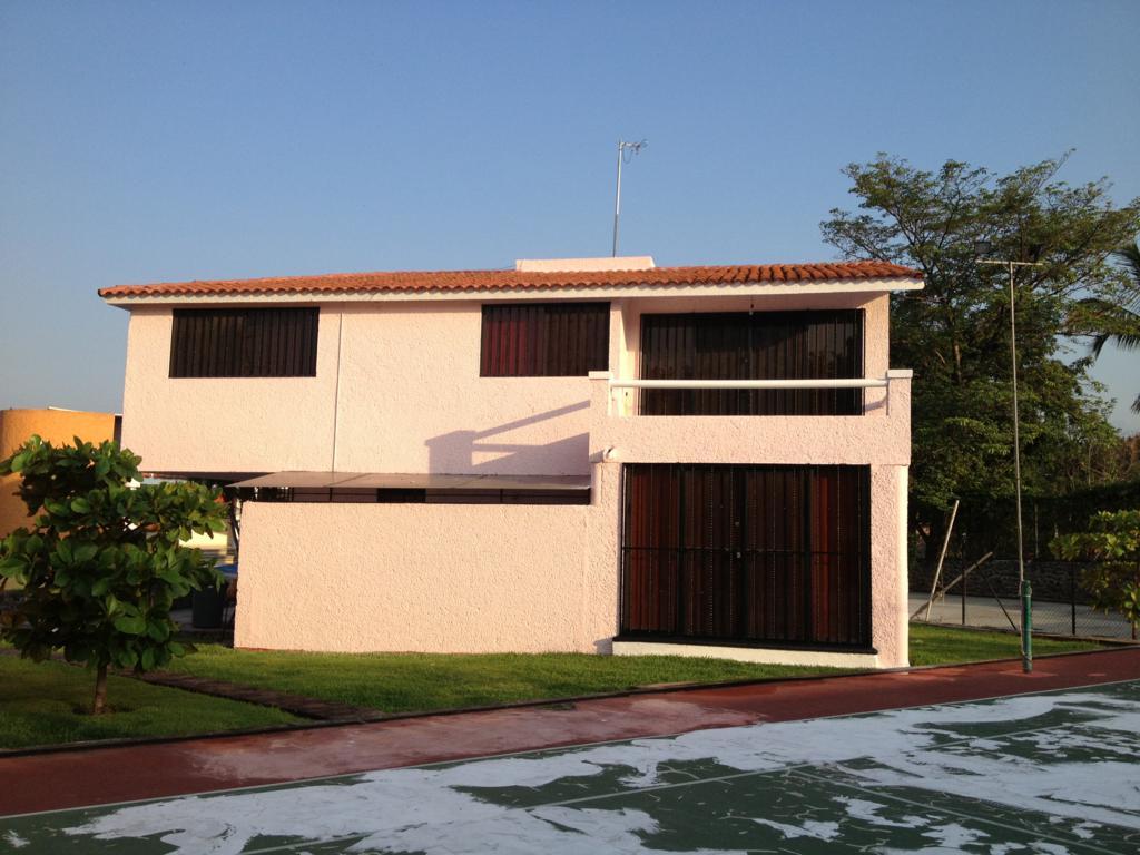 Rento casa en condominio en Temixco, Morelos