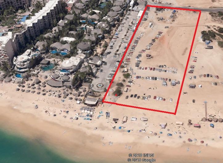 En venta terreno con frente al mar en Playa El Medano en Cabo San Lucas